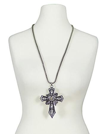 Halskette mit Kreuz (Bild 1)