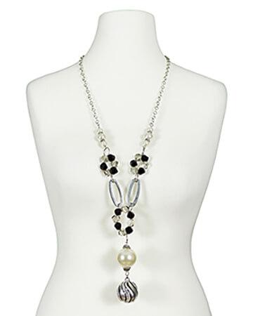 Halskette mit Perlen Anhängern